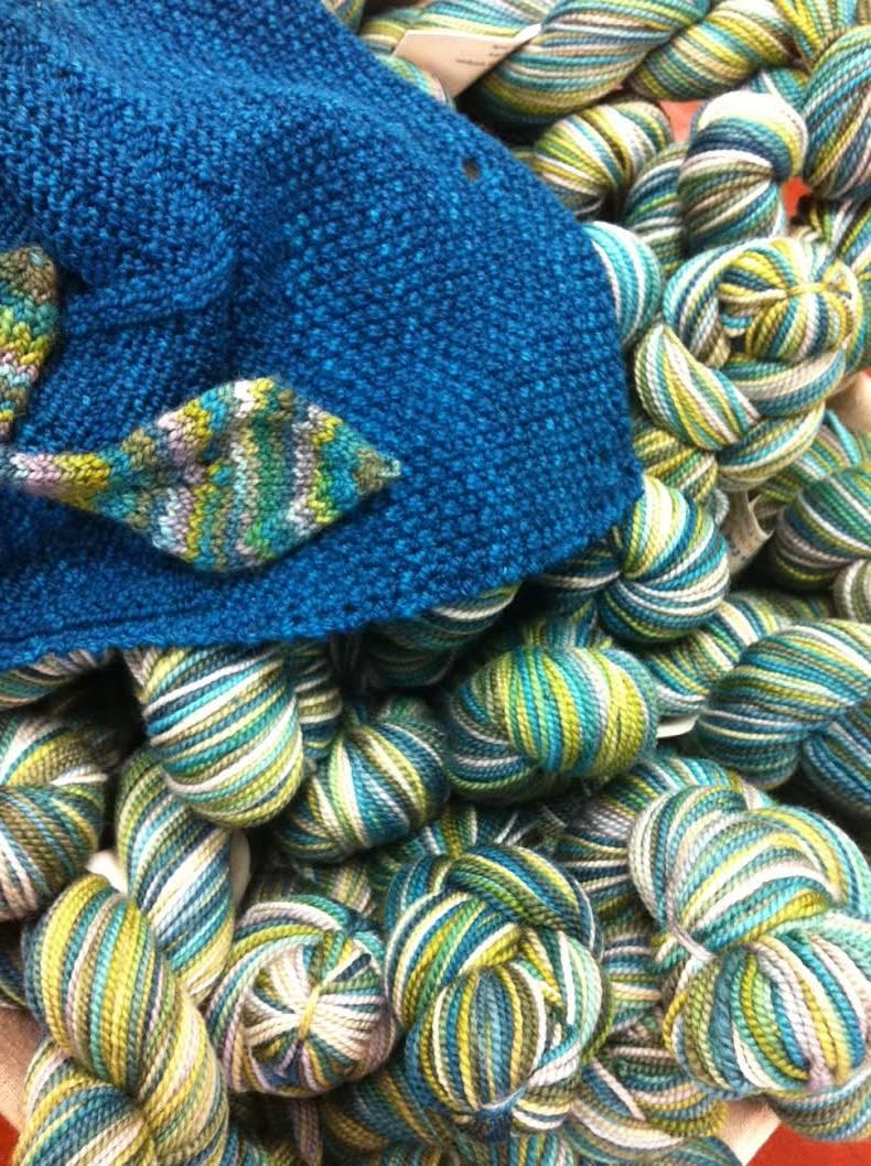 Shop Hop Yarn and leaf